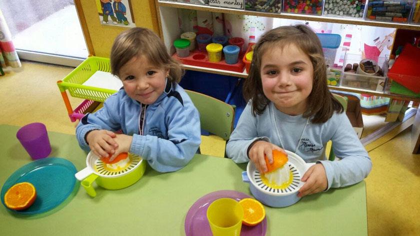 Squizzing Oranges!!