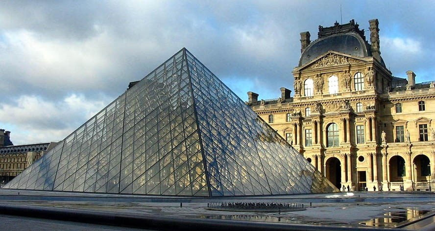 Museo-del-Louvre-frontis